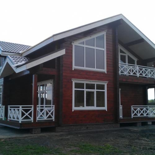 Строительство деревянных домов по индивидуальным проектам из клееного бруса